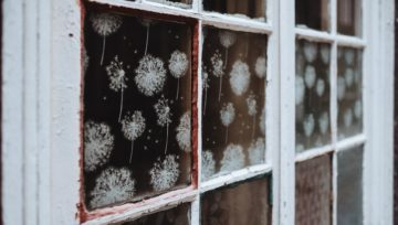 Tips For Holiday Window Decorating